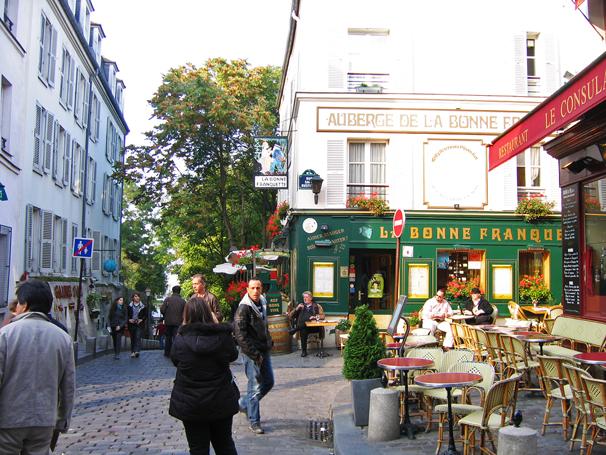 Image gallery le consulat montmartre streets for Le miroir restaurant montmartre