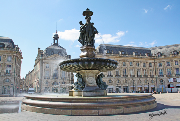 Les 3 Graces, Place de la Bourse