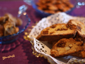 Biscotti figues amandes in vintage glass TN