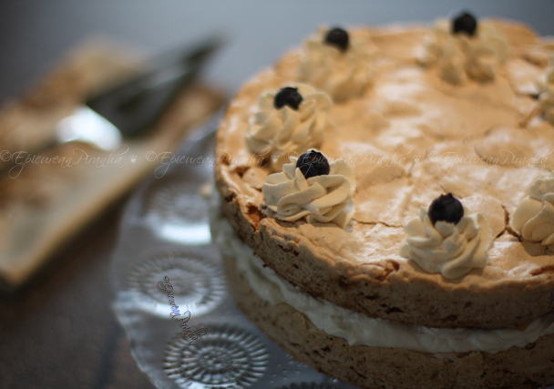 Hazelnut Meringue Gateau 02