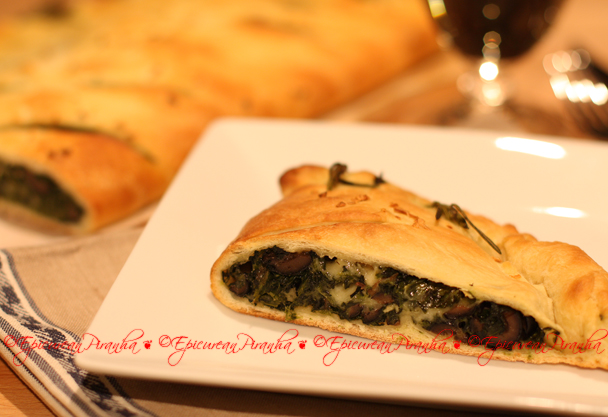 Calzone-garlic spinach chili blk olives proscuito V